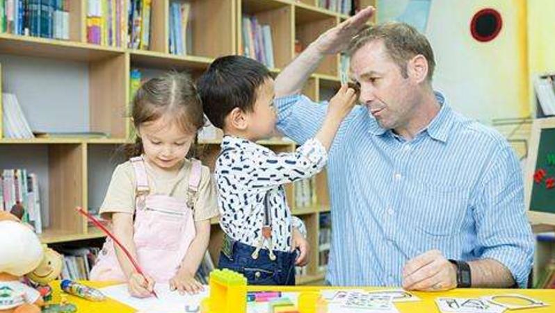 孩子胆小不自信怎么办,家长如何培养的6种原因方法