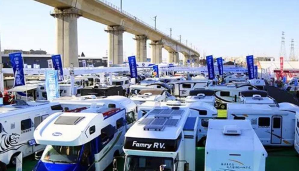 2019第18届中国国际房车大会在房山区长阳镇拉开帷幕。