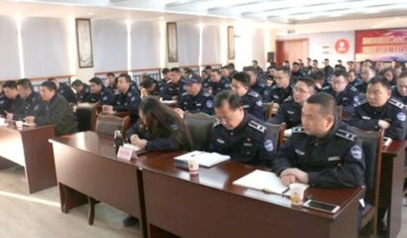 房山区城管执法监察局窦店执法队积极应对重污染天气