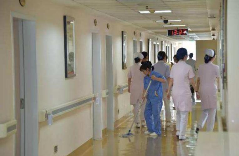 房山区妇幼保健院协力抢救候诊晕倒患者