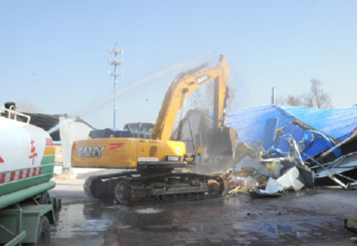 房山区房山镇城关街道拆除违建8800余平方米